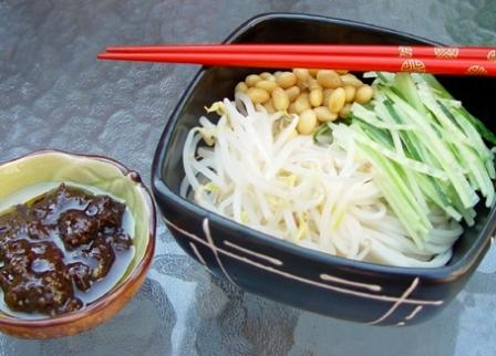 China eating out guide: Fried Soybean Sauce Noodle